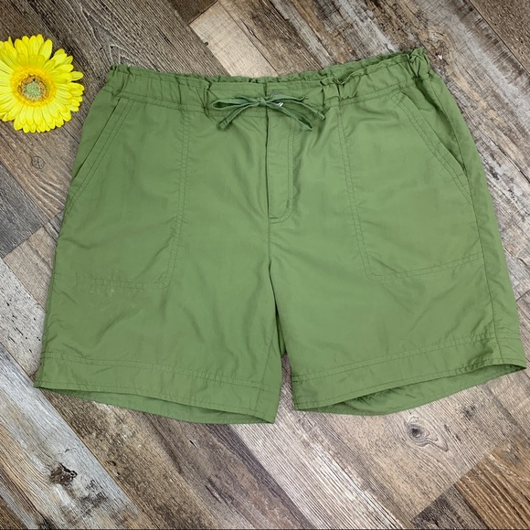 Patagonia Upcountry Women's Shorts Size 10 Green